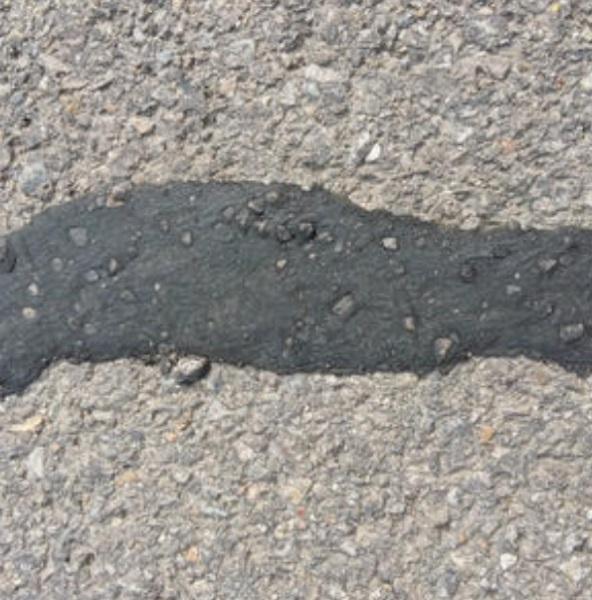 路面密封胶和沥青胶泥区别有哪些 对路面