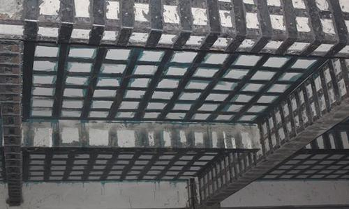 如何避免粘钢胶在夏季流淌严重 全面解析粘钢胶在夏季的使用方法