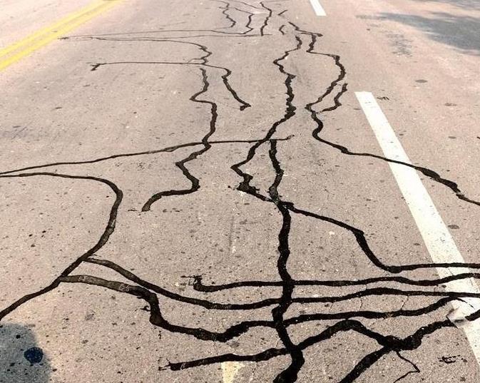 道路灌缝胶施工流程是怎么样的 全面解析