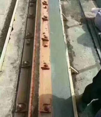 怎样用轨道胶泥进行施工