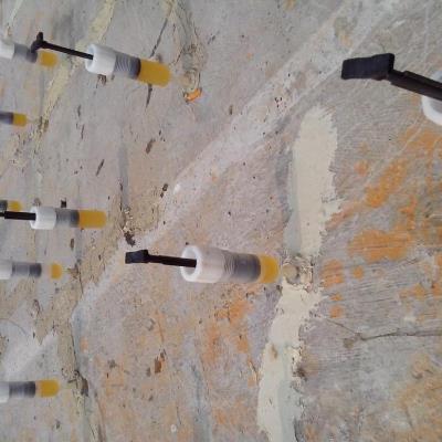 修补胶修补裂缝时的施工过程是怎样的