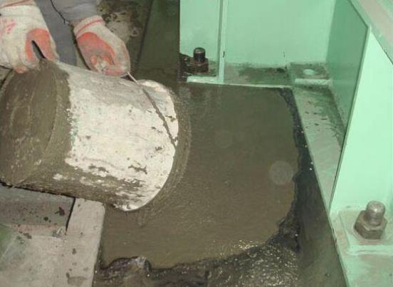 压浆料和灌浆料的搅拌比例怎么控制