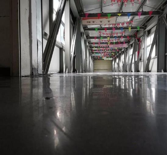固化地坪和耐磨地坪的区别 分析地坪固化