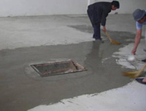 为什么水泥地面会发白