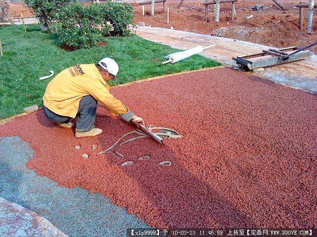 透水路面材料怎么选择 探讨透水混凝土路