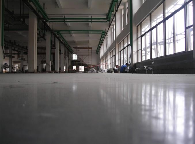 提高固化剂地坪的光泽度小妙招